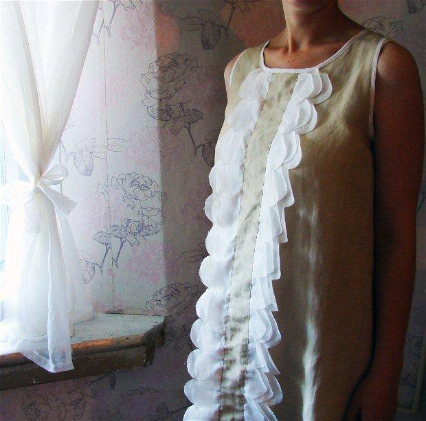 Rochie cu petale