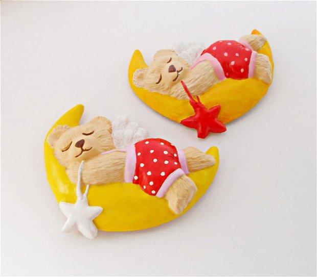 Ursulet care doarme pe luna - decoratiune magnet
