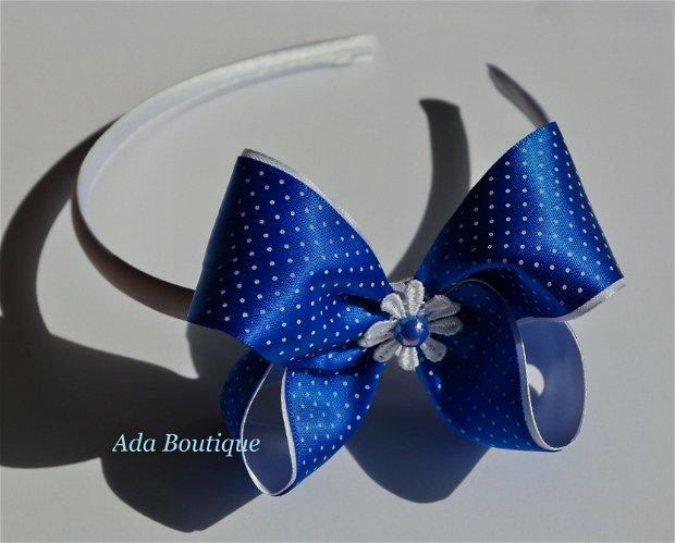 Cordeluta cu fundita albastra cu buline mici