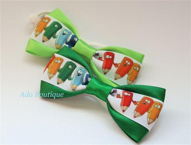 Mini papion cu creioane colorate  verde crud