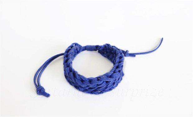 Deep Blue Twist