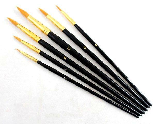 Set 6 pensule sintetice cu varf ascutit