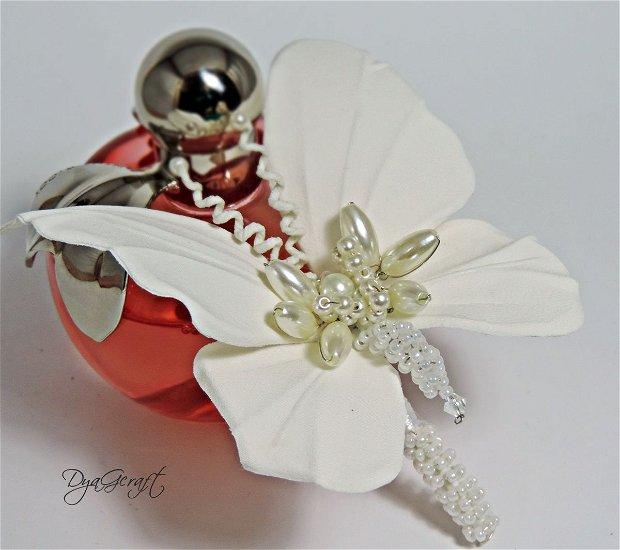 Cocarda nasa, mire , brosa Fluture din matase naturala