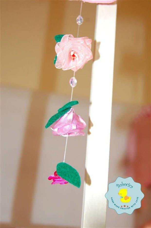 Litere decorative cu floricele