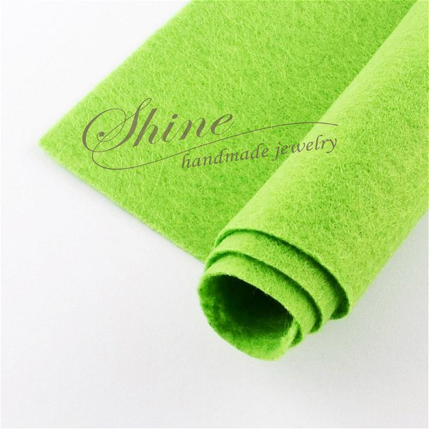 Fetru verde fistic, 30x30cm
