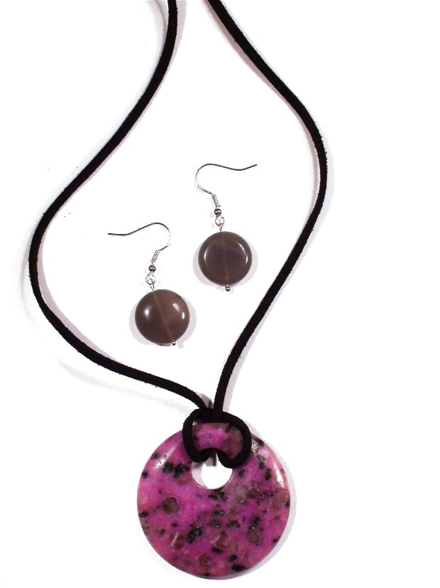 Pandantiv si cercei din Sediment roz fuchsia si Agata gri - PA020, CE020 - colier pietre semipretioase, cadou pentru ea, cadou romantic, cadou 8 martie, martisor
