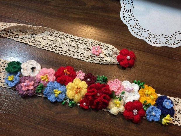 """Cordon """"Flori de camp"""" crosetat"""