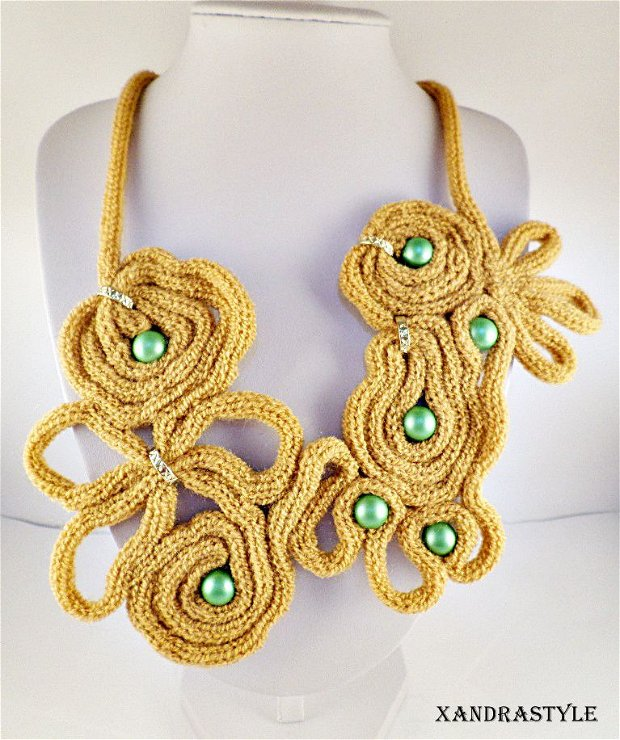 Colier ocru (knit)