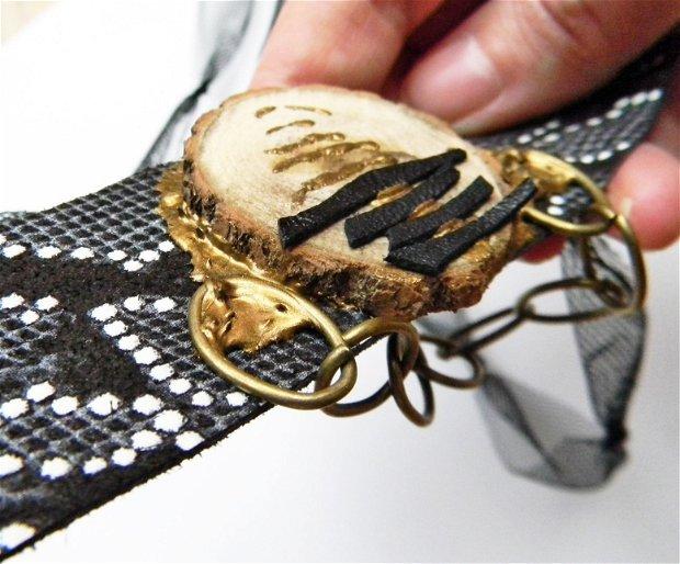 Colier cu pandantiv din piele printata cu lemn si margele, colier statement, colier handmade unicat