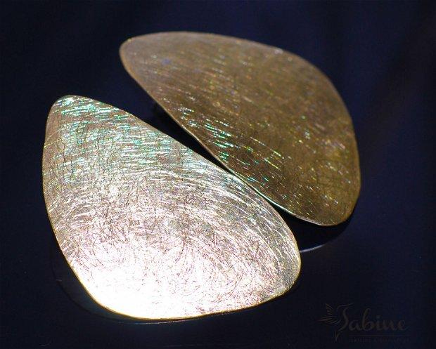 Cercei supradimensionati din alamă texturata cu tija de argint 925