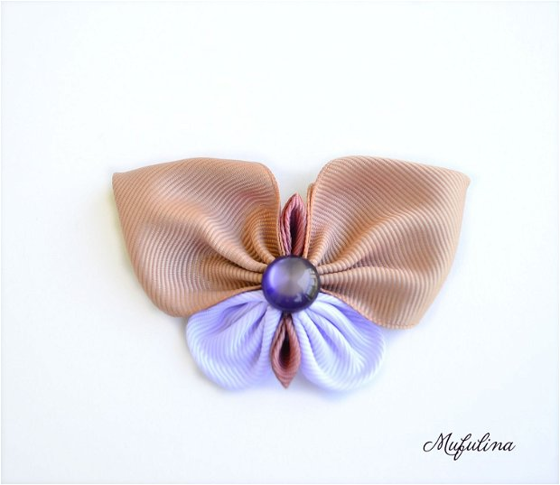 Fluture din panglici