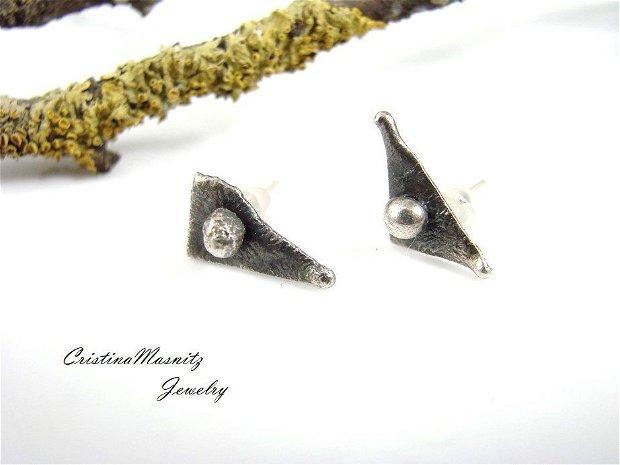 Cercei cu tija din argint reticulat, partial oxidat