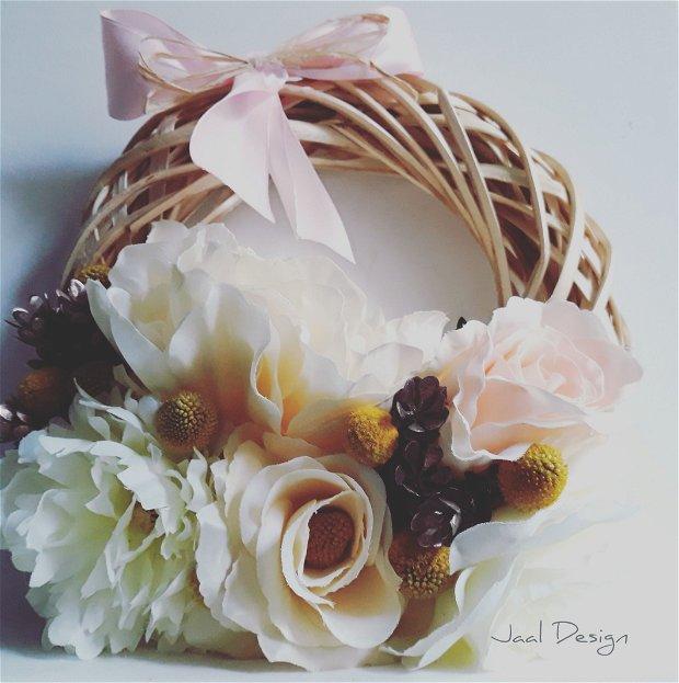 Coronita decorativa din flori de matase