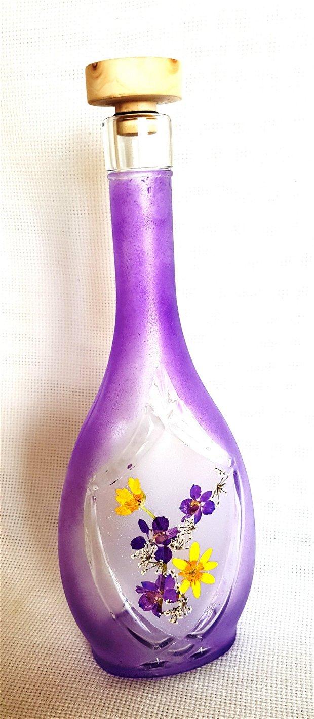 Sticla decorativa cu flori presate
