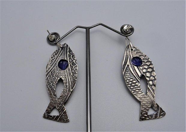cercei unicat, din argint 999, in forma de pesti cu txtura si sticla de Murano