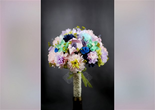 Buchet cu lavanda, din flori de hartie, hartie de matase si flori uscate