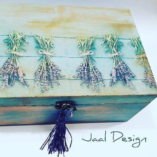 Cutie decorativa din lemn pentru sticlute uleiuri esentiale