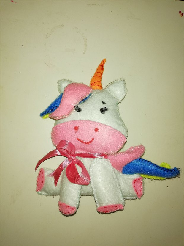 Jucărie Unicorn fetru