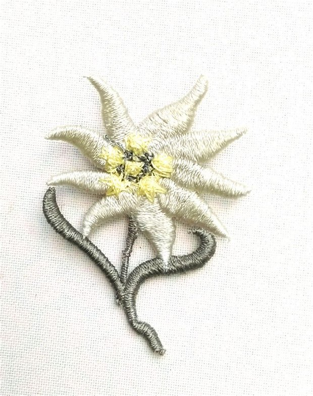 Martisor Brosa Floare de colt