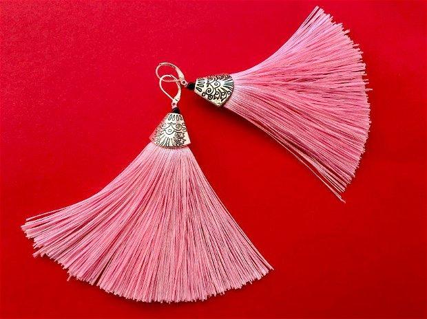 Cercei ciucuri roz