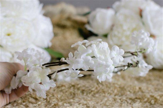 Coronita cu flori artificiale
