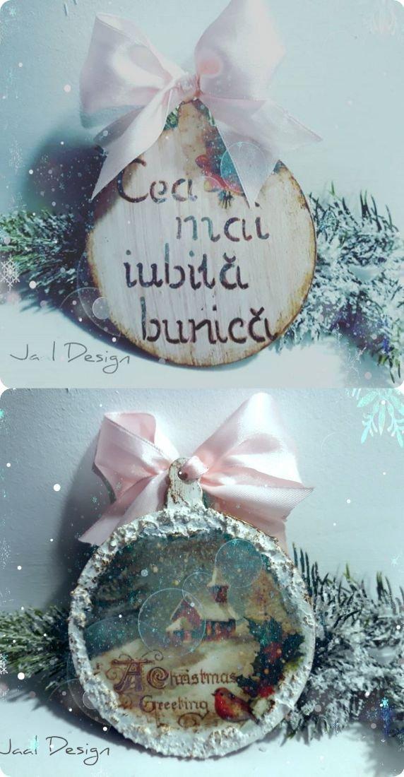 Globuri, ornamente din lemn personalizate pentru Crăciun