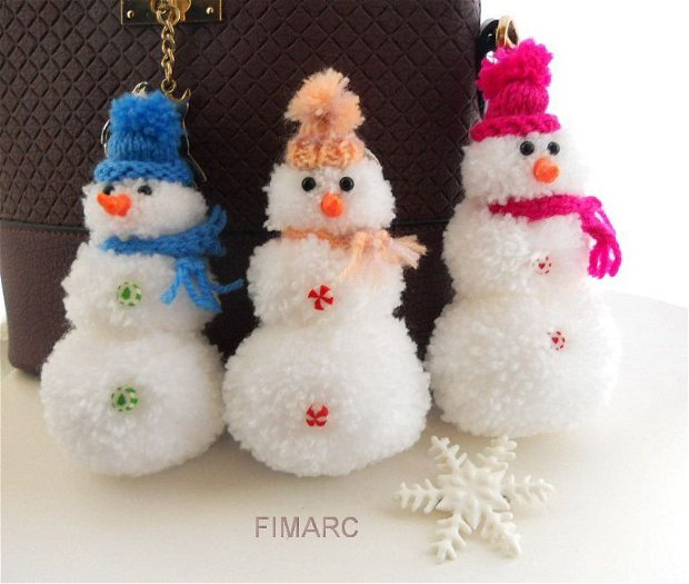''Snowman Pom Pom''- breloc pt.agatat in brad,la geanta,rucsac,ghiozdan,etc...