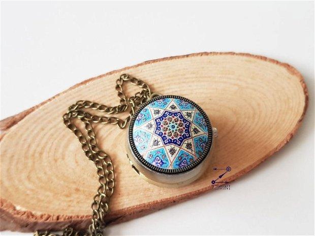 Medalion ceas functional, ceas de pus la gat, ceas de buzunar, medalion ceas mandala, colier cu ceas, ceas mandala albastra