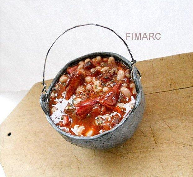 ''Fasole cu ciolan la ceaun'' - obiect de decor - rezervat