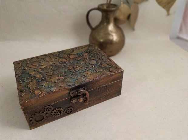 Cutie Steampunk-rotite si ceasuri
