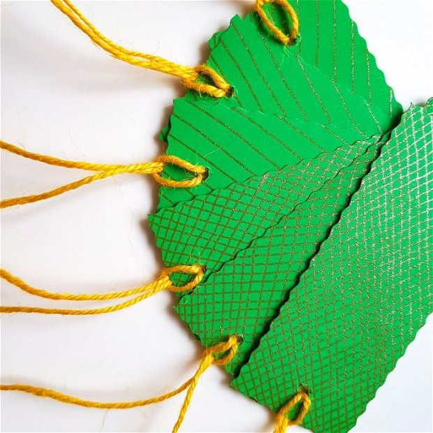 Etichete cadou - verde și auriu (6 bucati)