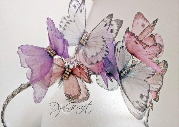 Cordeluta cu fluturasi pentru fetite