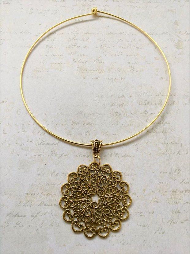 Colier pandantiv medieval auriu