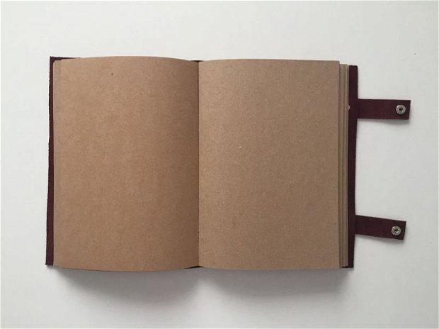 Agenda/Jurnal din piele naturala reciclata cusut manual si personalizat