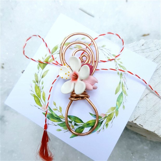Brosa martisor cu floare de cires