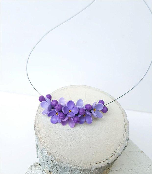 Colier flori de liliac