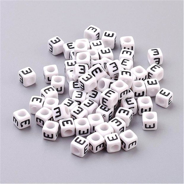 Alfabet, margea litera E cub- 67S