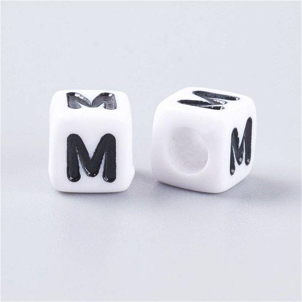 Alfabet, margea litera M cub -67S