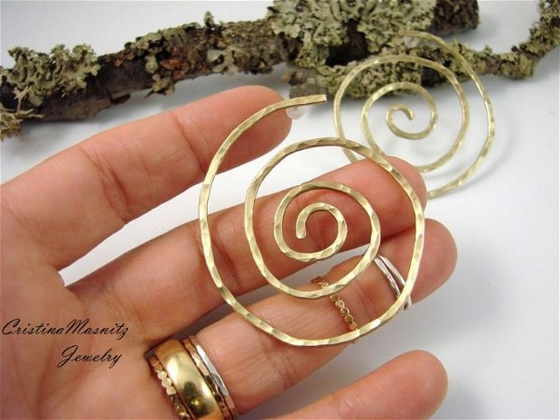Cercei supradimensionati,  spirala din alama si tija din argint 925