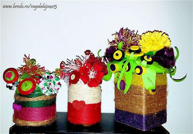 Aranjament floral {Roz-Verde} - textile si nasturi