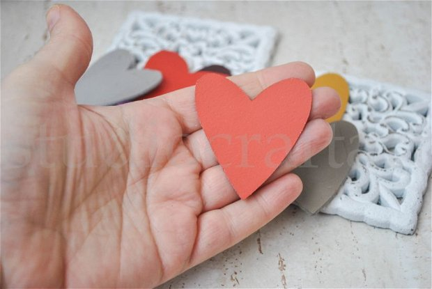 30b inimioare din piele, pentru aplicatii, bijuterii, martisoare ..