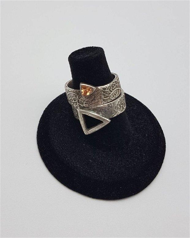 inele de autor, imbricate/ingemanate, din argint fin, cu spinel triunghiular galben