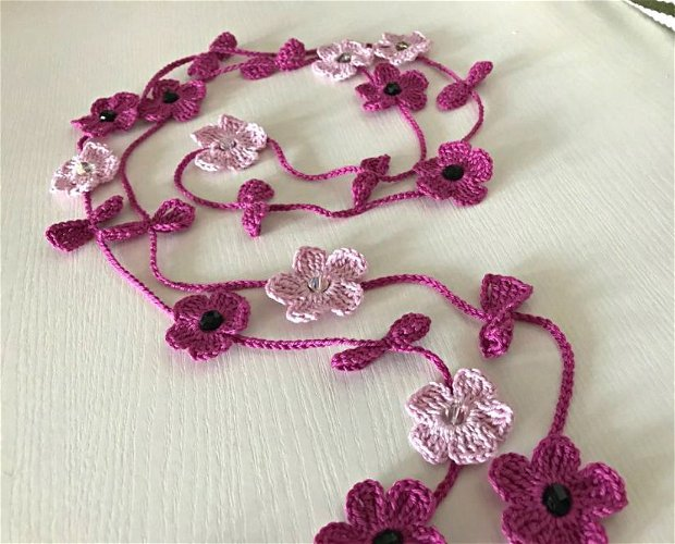 Colier crosetat Sheryl ciclamen/roz chocker colier de primavara vara