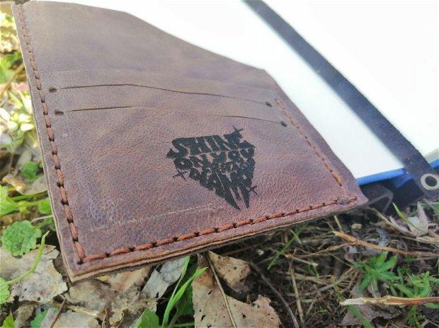 Coperta/cover din piele cusuta manual si personalizata