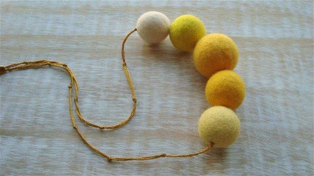 Colier Amarelo