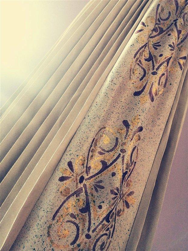 Fusta pictată si plisată manual, din piele eco