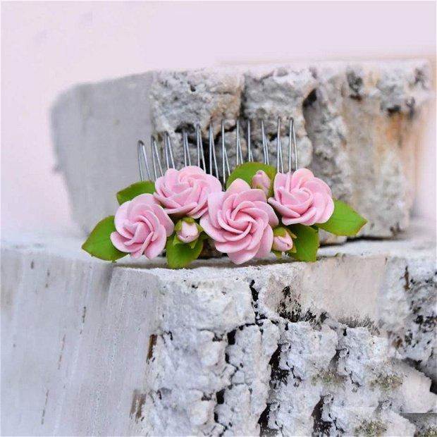 Accesoriu par trandafiri roz