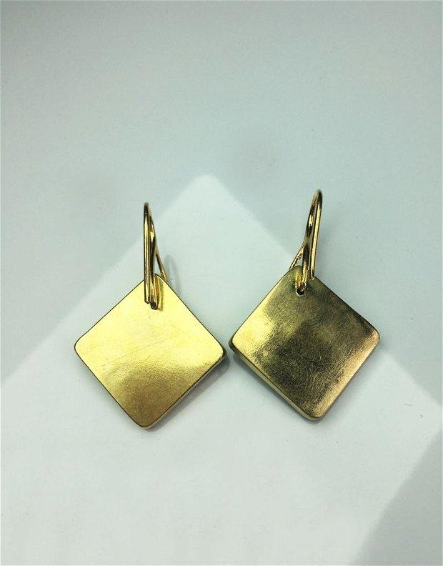 Cercei maro inchis din portelan incasetati manual in alama, cu tortite din argint 925 placate cu aur de 14 K - SPRING BRASS