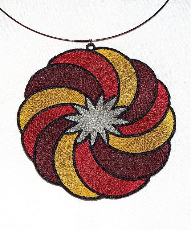 Mandala colier brodat