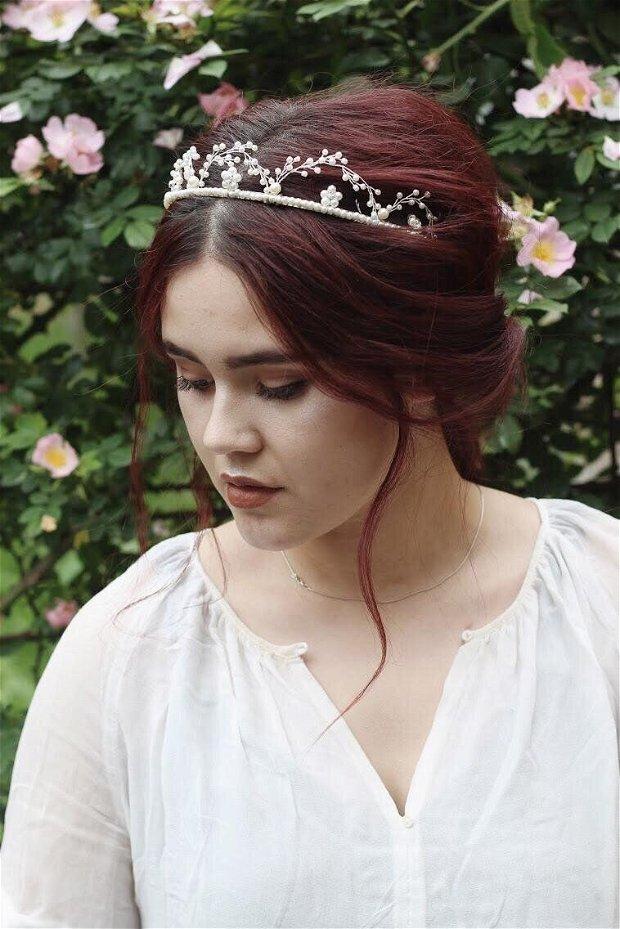 Coronita cu Flori de Perle